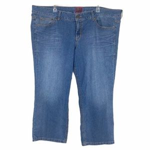 Torrid Crop Ankle Jean Light Wash Size 24